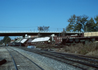 derailed cars full of lime